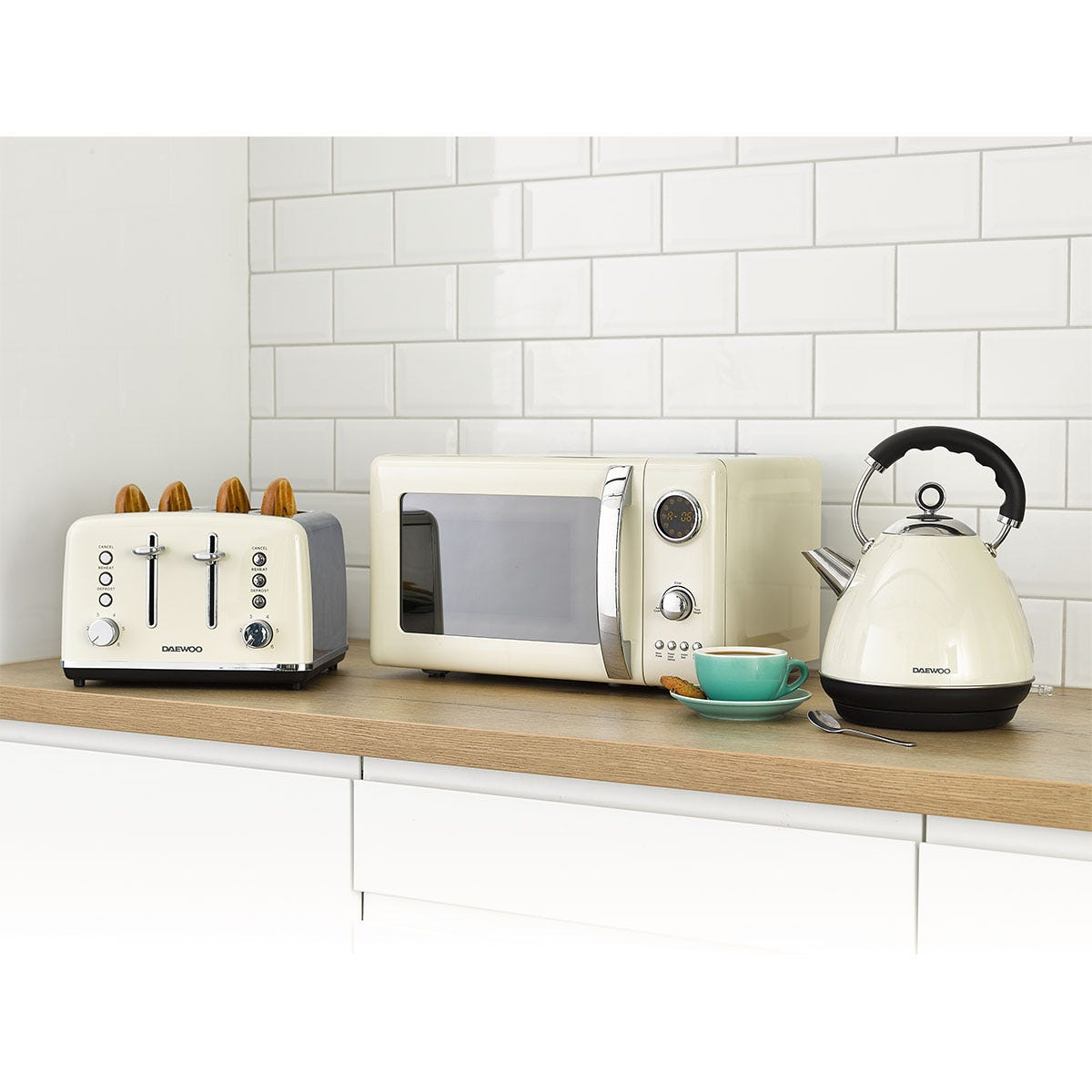 Daewoo SDA2426DS Kensington 1.7L Pyramid Kettle, 4-Slice Toaster, and 20L Digital Microwave Bundle - Cream