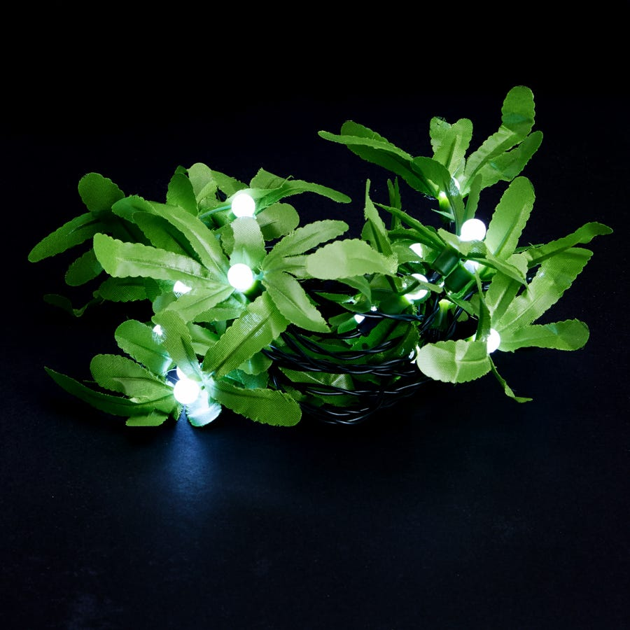 Image of 20 Battery-Operated White Static Mistletoe and Berry LED String Lights – 3.3m