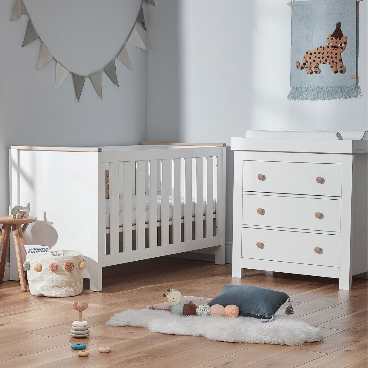 Cuddleco Aylesbury 2pc set 3 Drawer Dresser and Changer and Cot Bed White and Ash