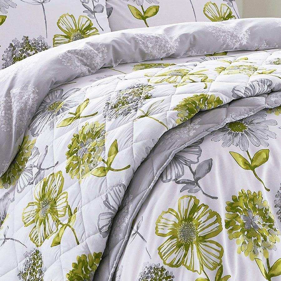 Catherine Lansfield Banbury Floral Bedspread - Green