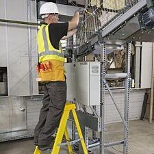 Expert Fibreglass 3 Step Ladder