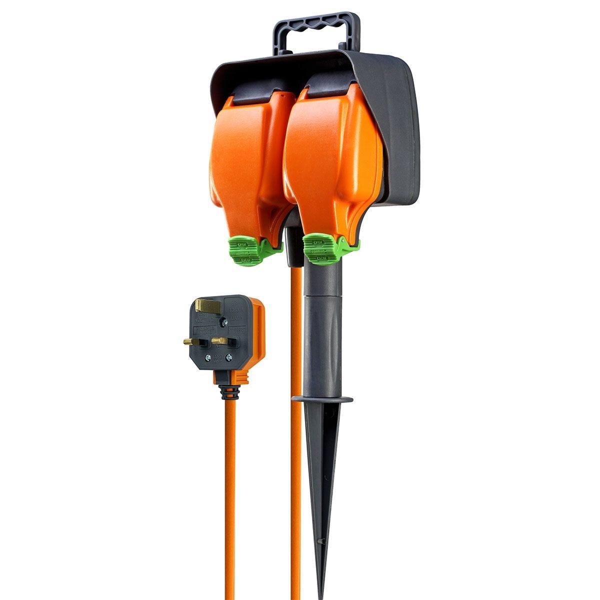 Masterplug 2 socket 15m Weatherproof Garden Spike Extension Lead