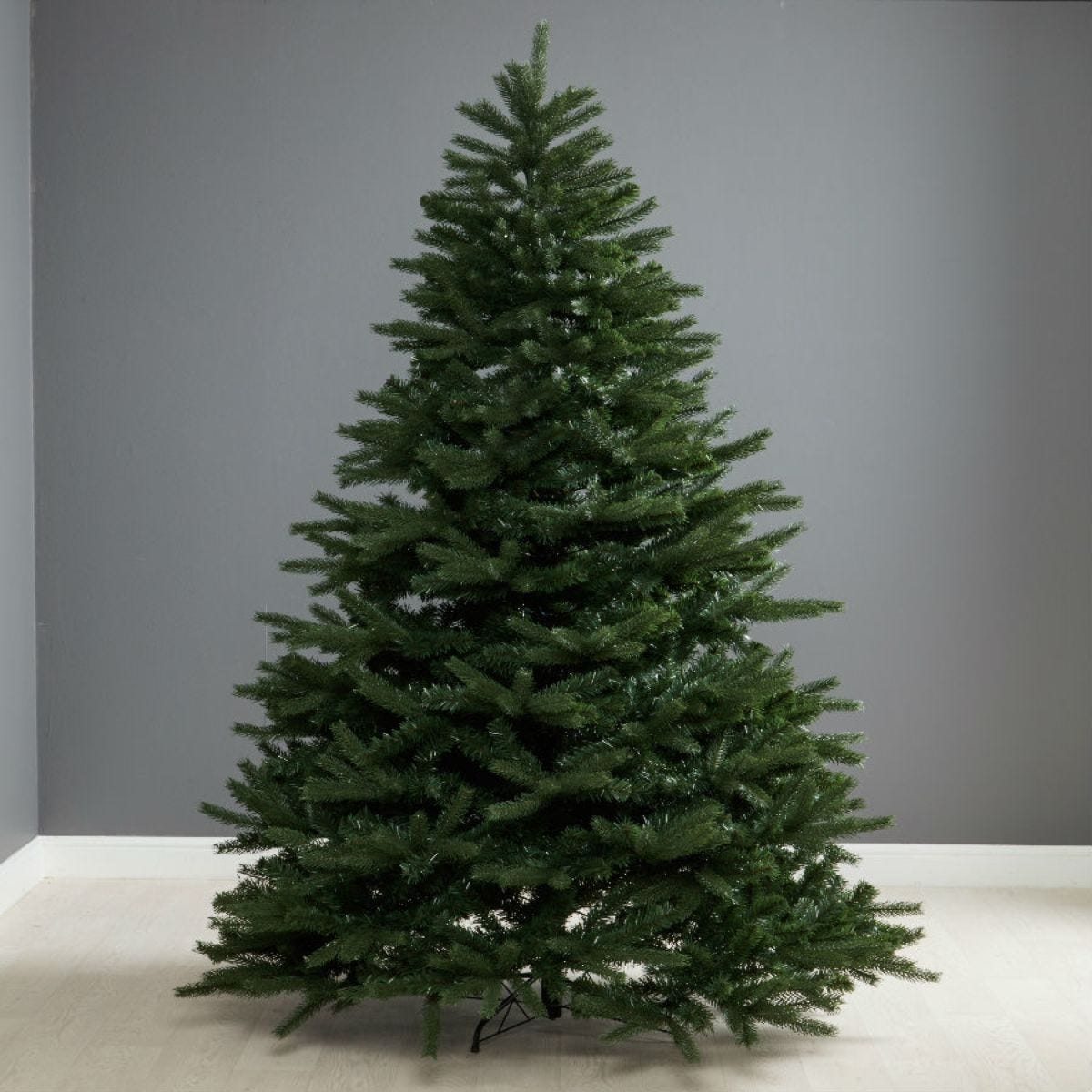 Robert Dyas Green Majestic Spruce - 7ft