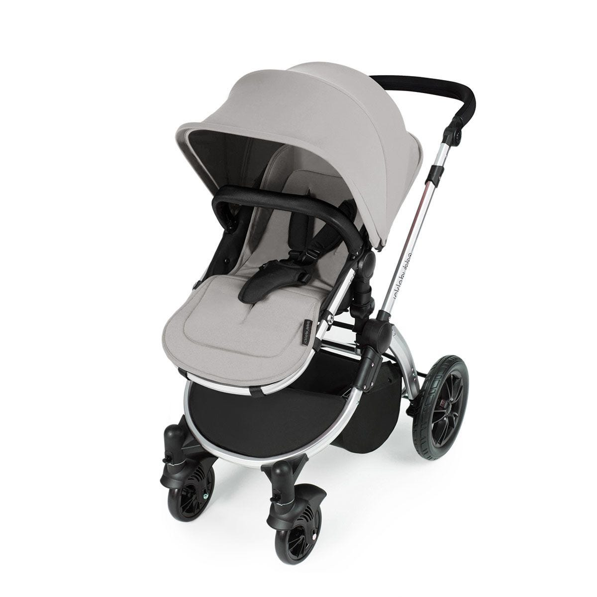 Ickle Bubba Stomp V3 i-Size Travel System with Isofix Base -Silver on Silver with Black Handles
