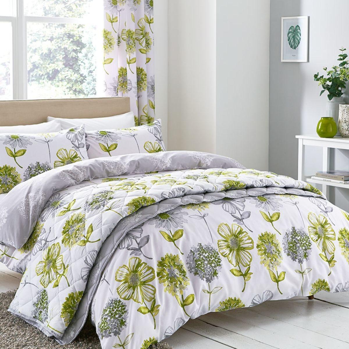 Catherine Lansfield Banbury Floral Duvet Set - Green