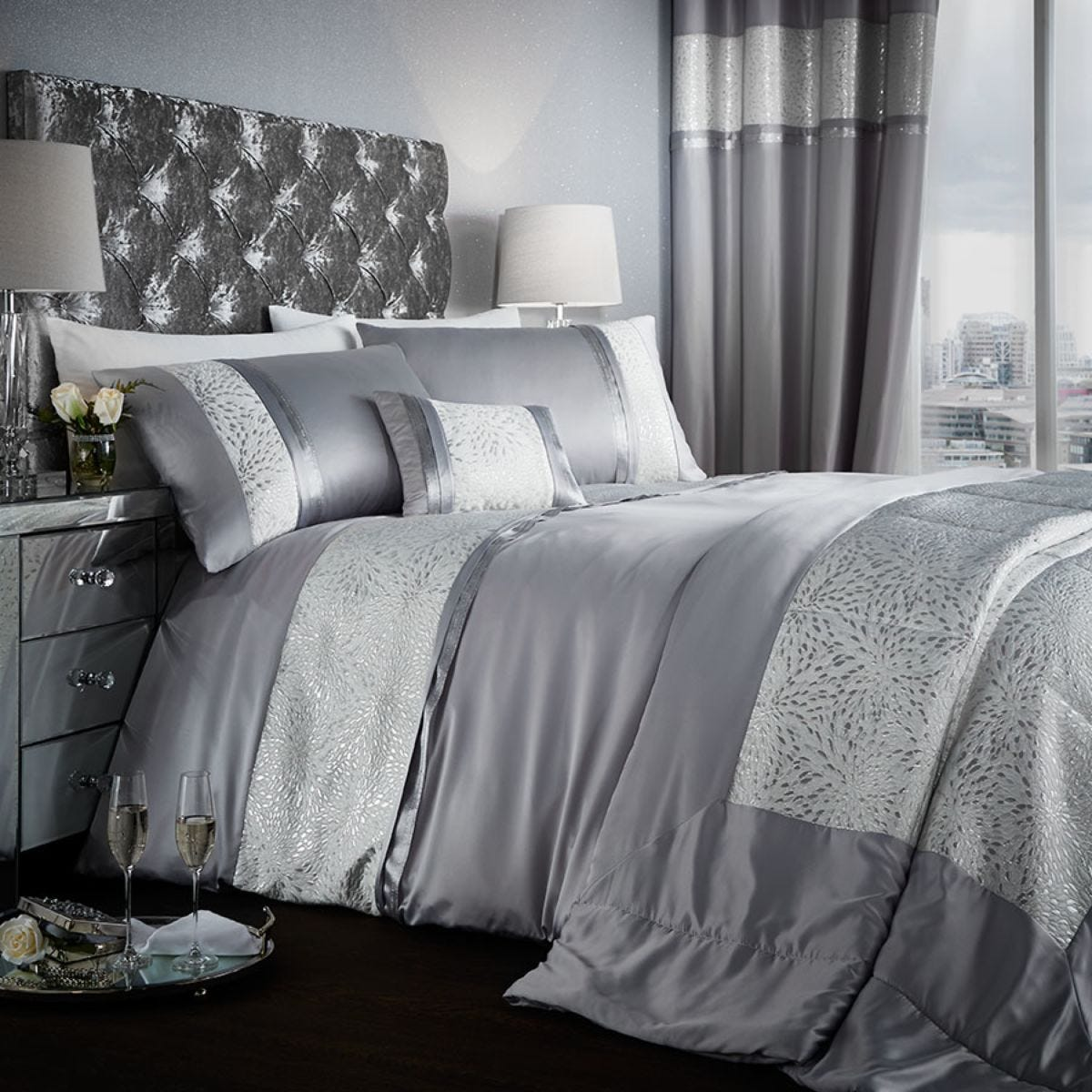 Catherine Lansfield Luxor Jacquard Bed Set - Silver