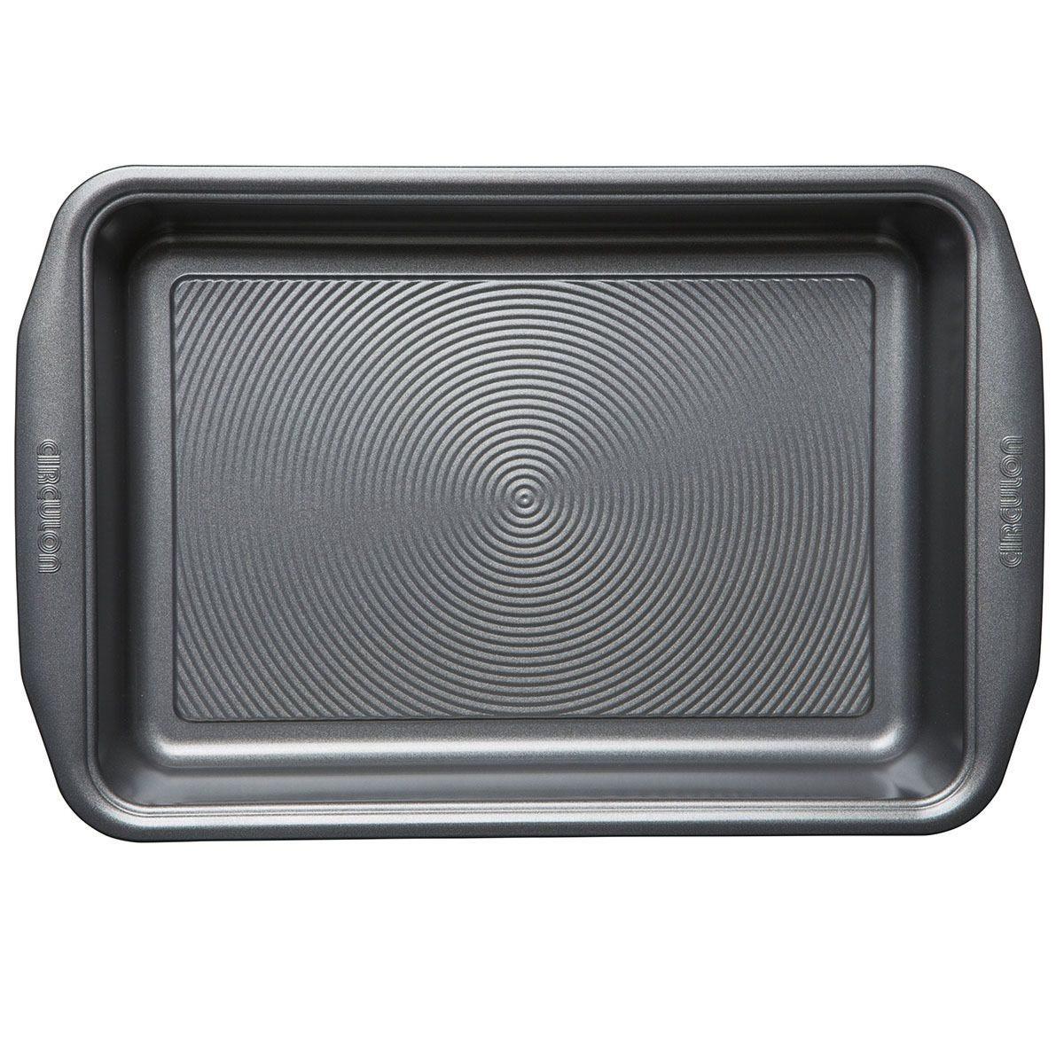Circulon rectangular cake tin