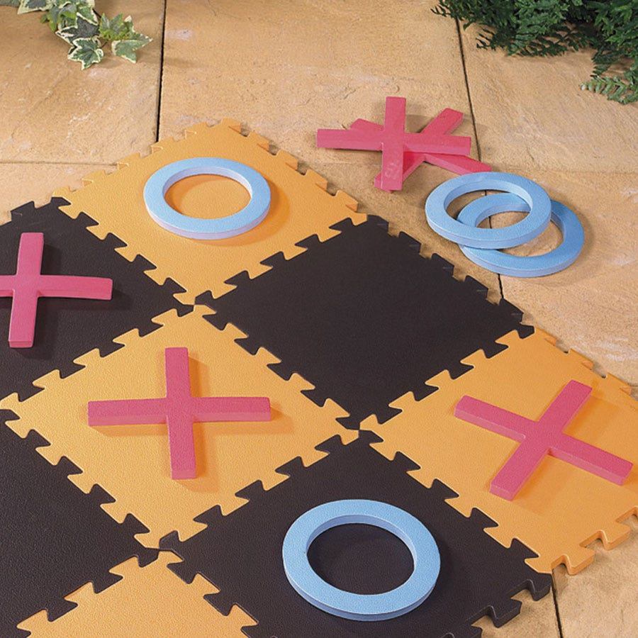 Robert Dyas/Outdoors/Garden Furniture & BBQ's/Giant Garden Noughts and Crosses Set