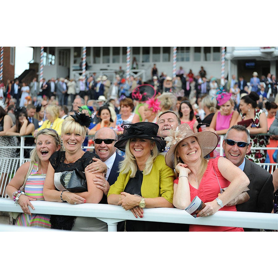 Buyagift Classic Day at the Races for Two with Lunch Experience