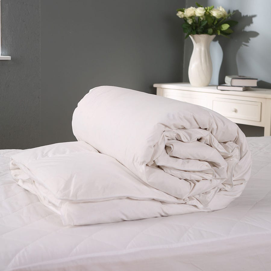 Charles Bentley Downland Luxury 10.5 Tog Goose Feather and Down Single Duvet
