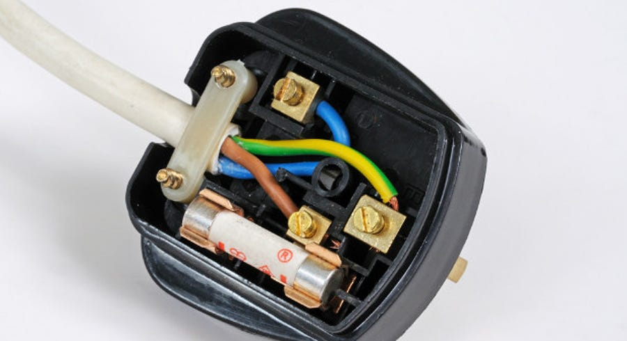 How to Change a Fuse and Plug