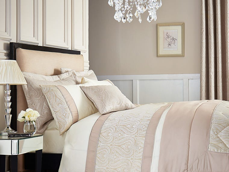 Bedding in Home & Furniture