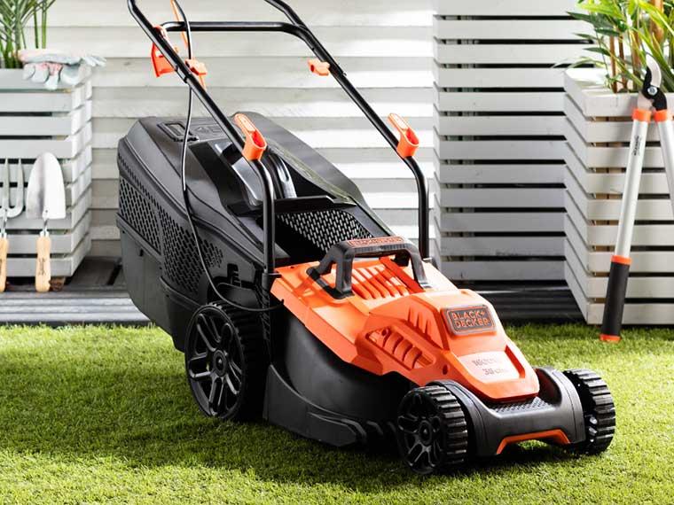 Garden Deals - Black & Decker Lawnmower