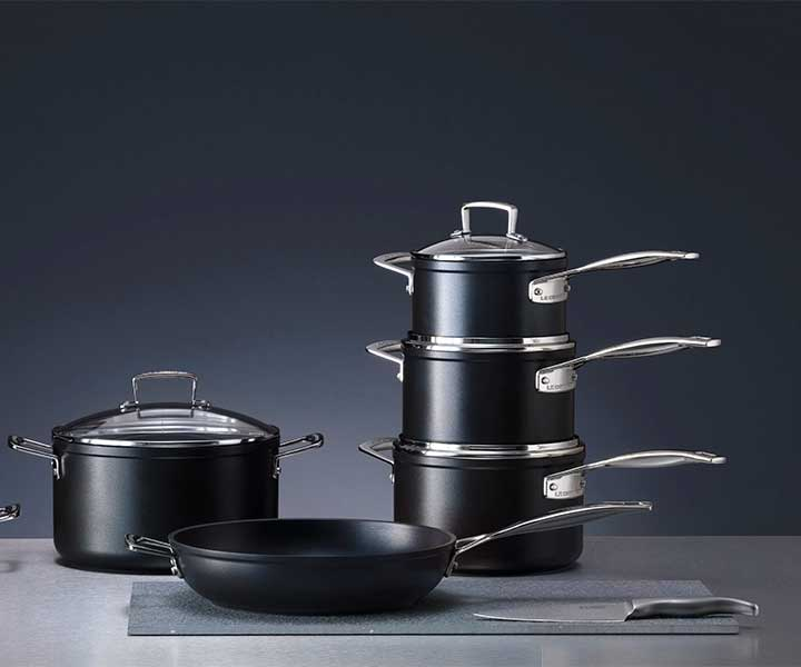 Le Creuset toughened non-stick pan set