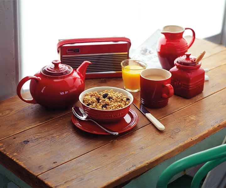 Le Creuset stoneware crockery set