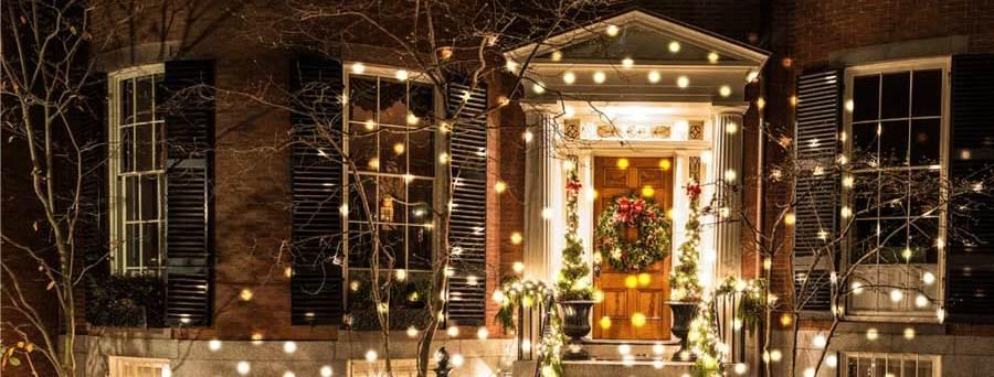 How To Hang Outdoor Christmas Lights Robert Dyas