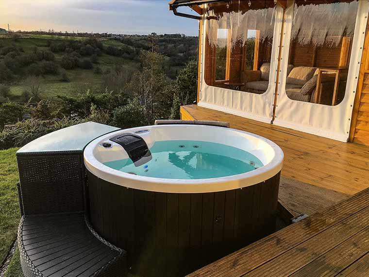 Outdoor Mega Deals - hot tub